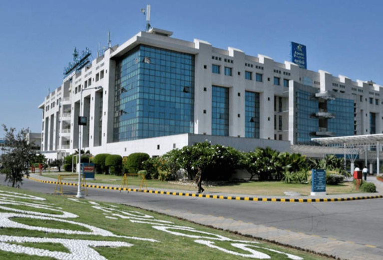 Apollo hospital- CHENNAI | Cost,Reviews, and Procedures